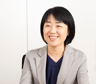 財務経理部 業務課 係長 塩田 寿惠氏