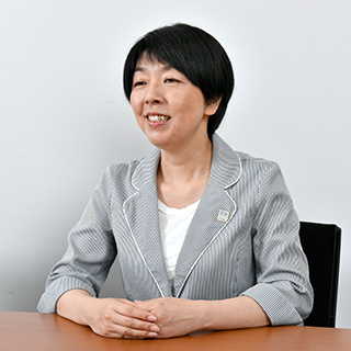 ▲コールセンター神戸 企画グループ 研修担当 吉村 真由子氏
